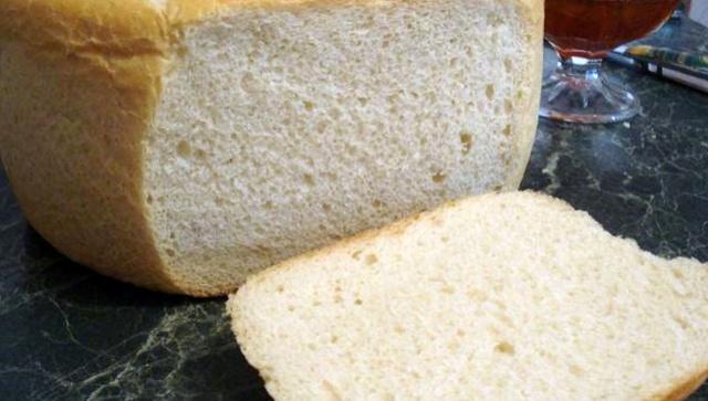 Білий хліб в мультиварці