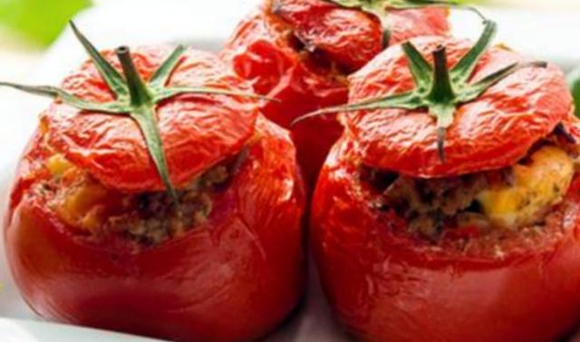 Фаршировані помідори в мультиварці
