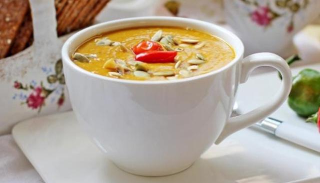 Гарбузовий суп-пюре з сочевицею в мультиварці