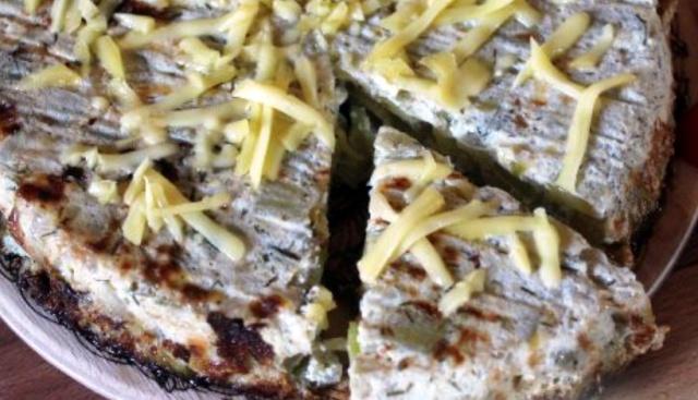 Овочева запіканка з кабачком та цибулею (в мультиварці)