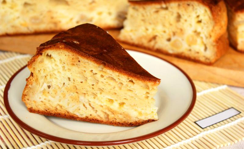 Пиріг на кефірі в мультиварці