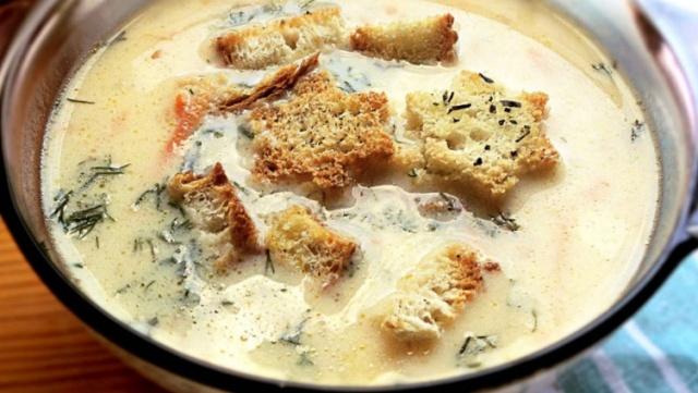 Простий сирний суп у мультиварці