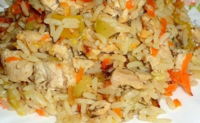 Рис з куркою в мультиварці