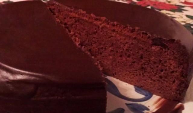 Шоколадний манник з шоколадною начинкою, в мультиварці