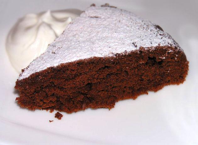 Шоколадний пиріг на сметані в мультиварці
