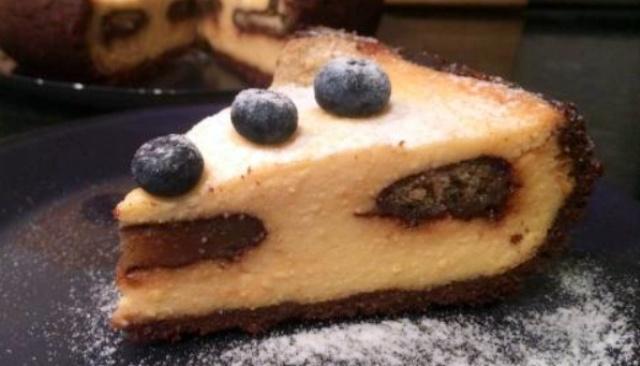 Сирний пиріг з печивом в мультиварці