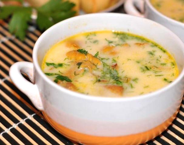 Суп з лисичками в мультиварці