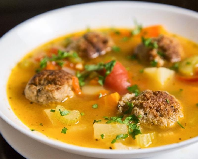 Суп з рисовими тюфтельками в мультиварці