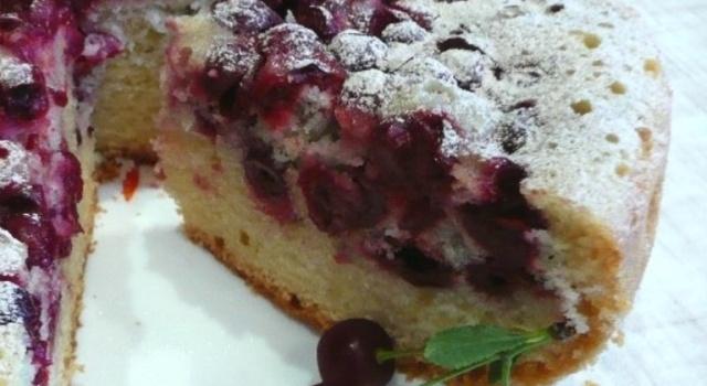 Віденський вишневий пиріг в мультиварці